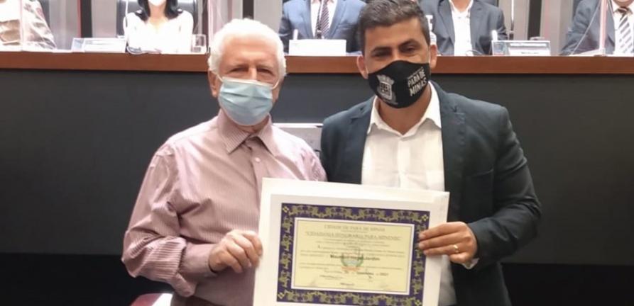 Provedor recebe Título de Cidadania Honorária