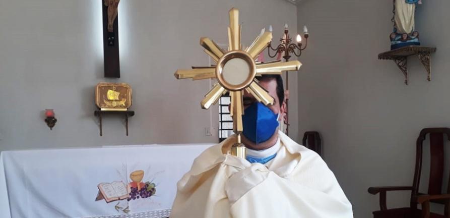 Celebração de Corpus Christi no HNSC emociona enfermos e funcionários